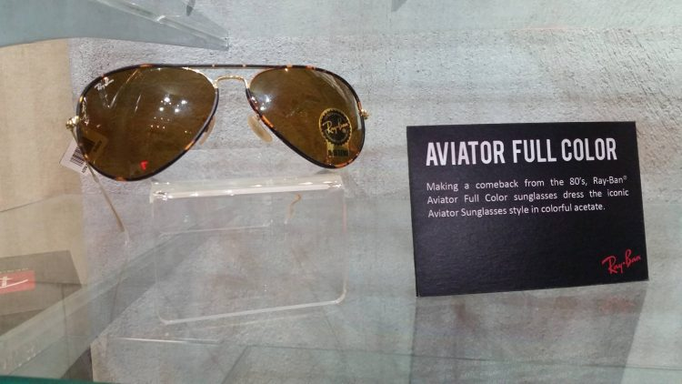 Aviator Full Color is originally from the 80's. It's making a comeback with the classic and iconic colorful acetate.