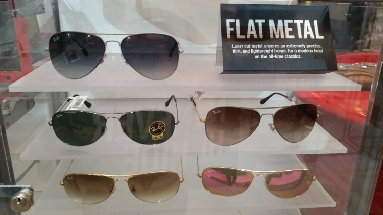 Flat Metal: It's called flat metal because the laser-cut metal ensures a thin and lightweight frame with a modern twist.