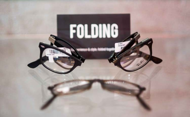 They come in folding type, too!